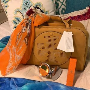Price ⬇️ Tory Burch Set--NWT+Dust Bag/ Gifts